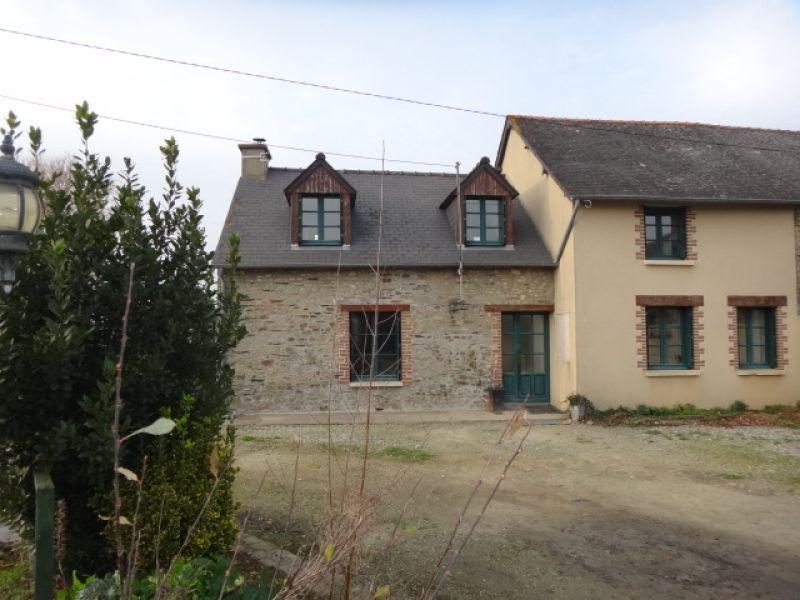 Maison en pierre avec plus de 3700 m² de jardin clos
