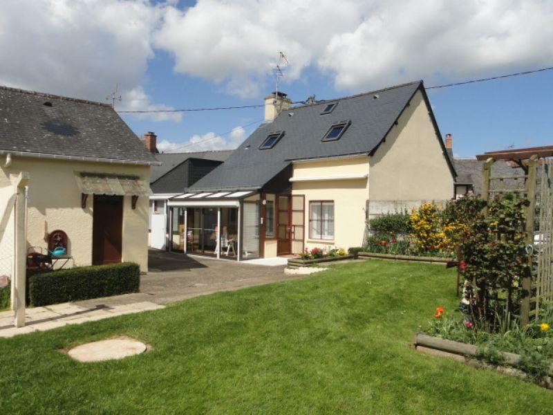 Maison en pierre indépendante avec jardin de 850 M2